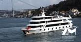 Grand bateau transport 1000 passagers de 49 m année 2012