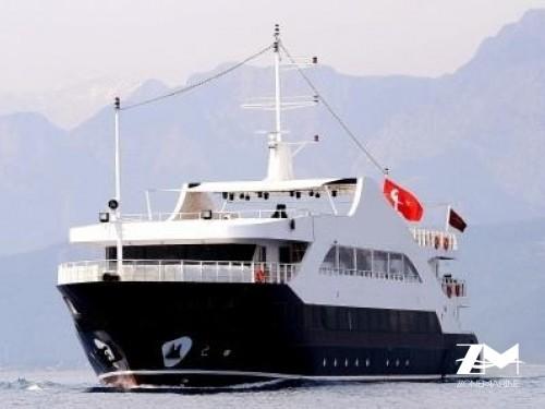 Grand bateau passagers excursion Daily avec restaurant bar évent réceptif de 52 m construit en 2011
