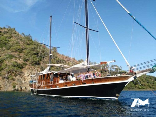 Ketch de 25 m avec 6 cabines doubles pour 12 invités hors équipage rénover en 2014