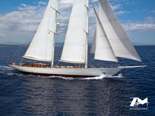 Grand Voilier traditionnel classique 2 mats de 48 m full voiles tout équipé aménagé pour 8 invités plus équipage