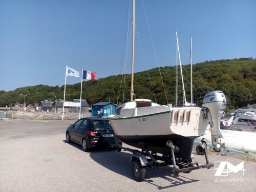 Bateau pêche promenade voile et moteur