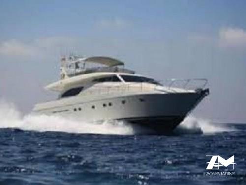 Très beau yacht de 23 m Fly avec 4 cabines  2 x 836 CV GM et pavillon commercial Belge