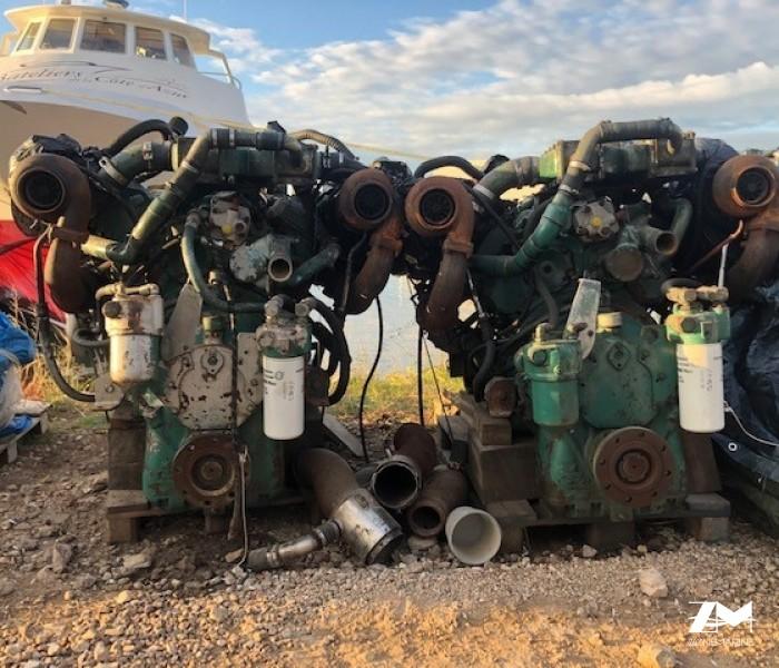 2 detroit diesel GM 8 V 92 avec inverseurs
